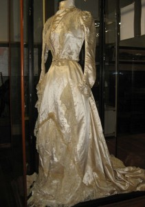 Kate Dabb's wedding dress, June 1900